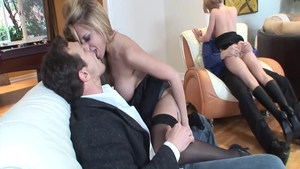 Big ass babe Phoenix Marie has a thing for good fuck in HD