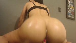 Big butt colombian MILF homemade toys live on cam