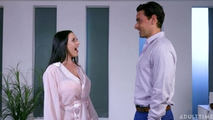 Blowjobs with shaved mature Angela White