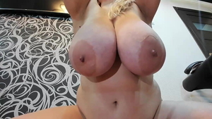 Chubby blonde receives squirt in HD