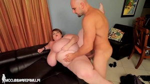 Young babe Lexxxi Luxe feels up to loud sex